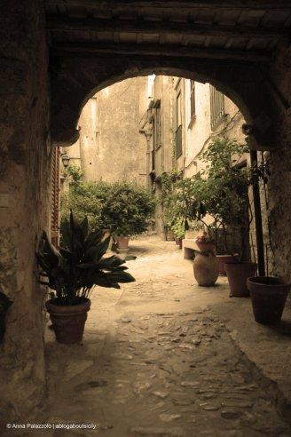 Umpteenth courtyard